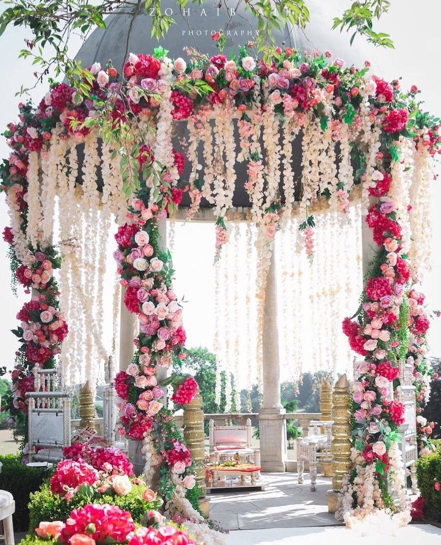 8 UK Wedding and Event Decorators You Need This Holiday Season
