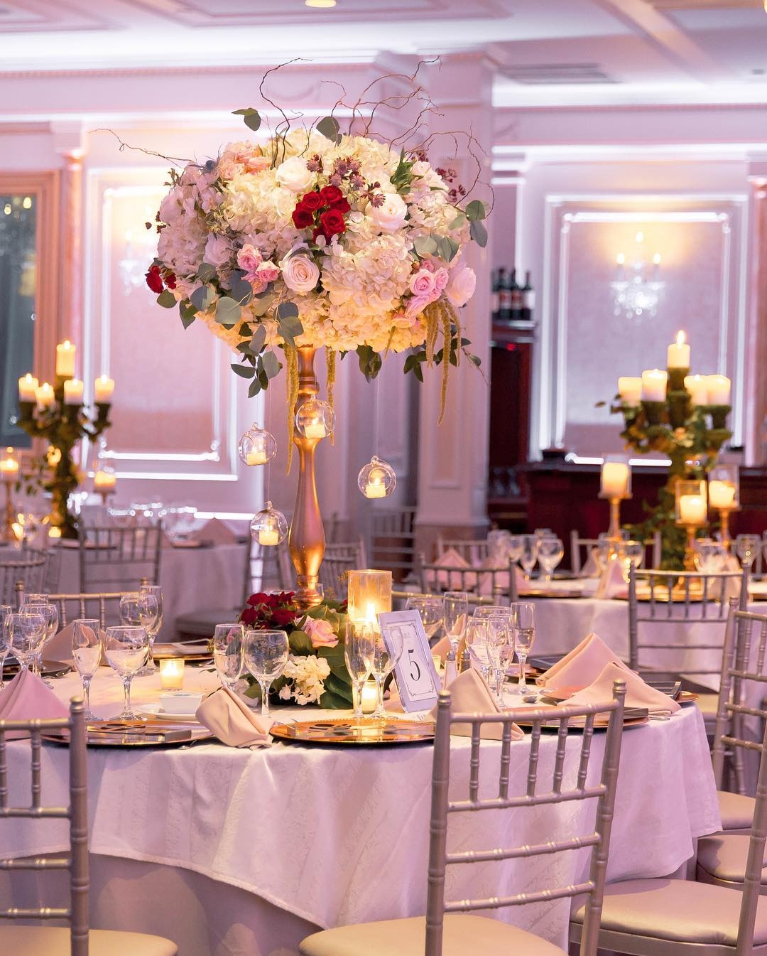 Diva Blooms Floral Designer and Venue Decor New York