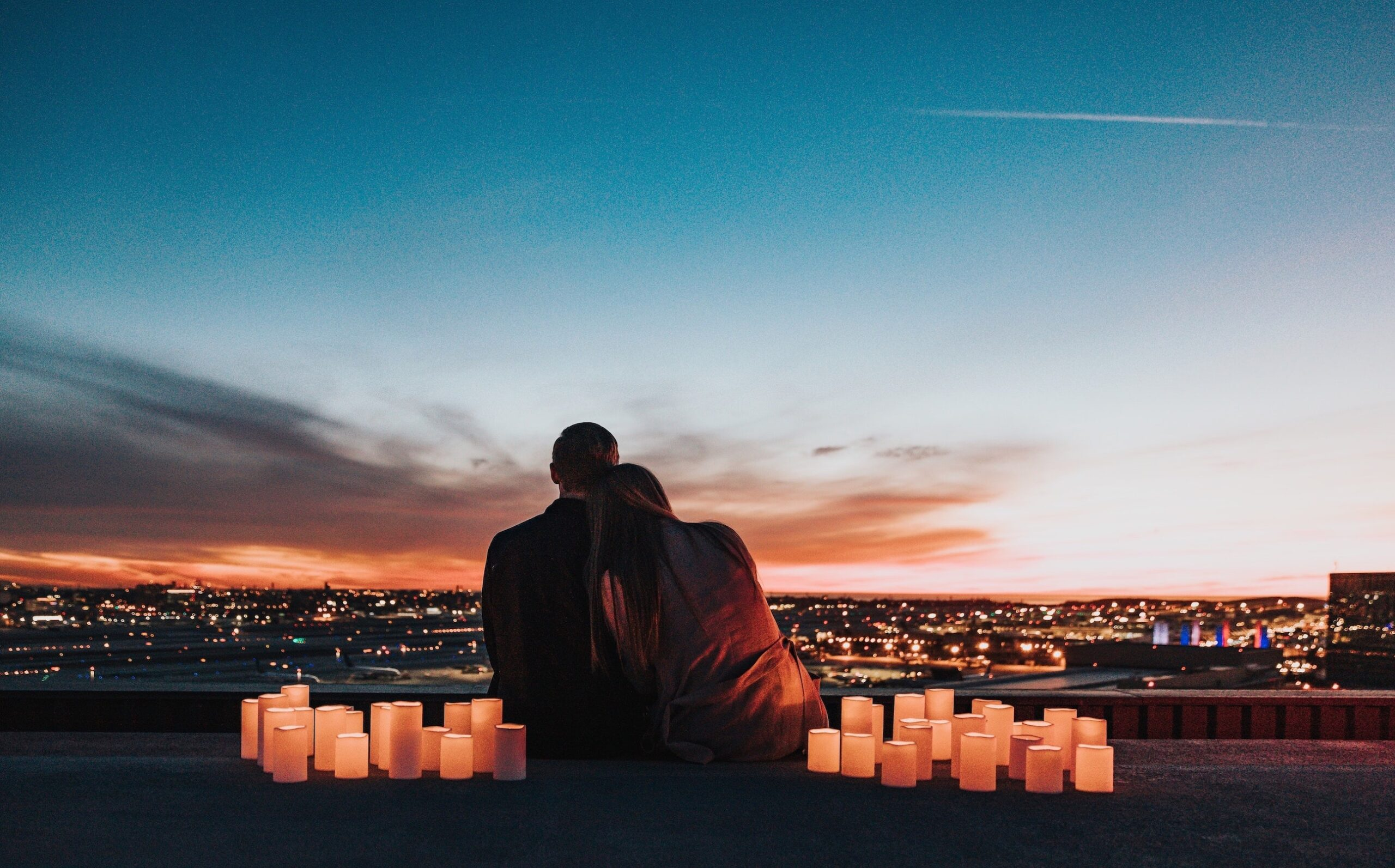 7 Romantic Things Every Couple Must Do In Their Honeymoon